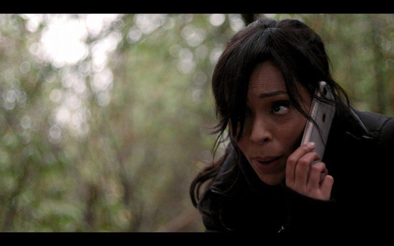 Apple iPhone Mobile Phone Held by Tamara Taylor as Deloris Allen in October Faction Season 1 Episode 6 Open Your Eyes (2)