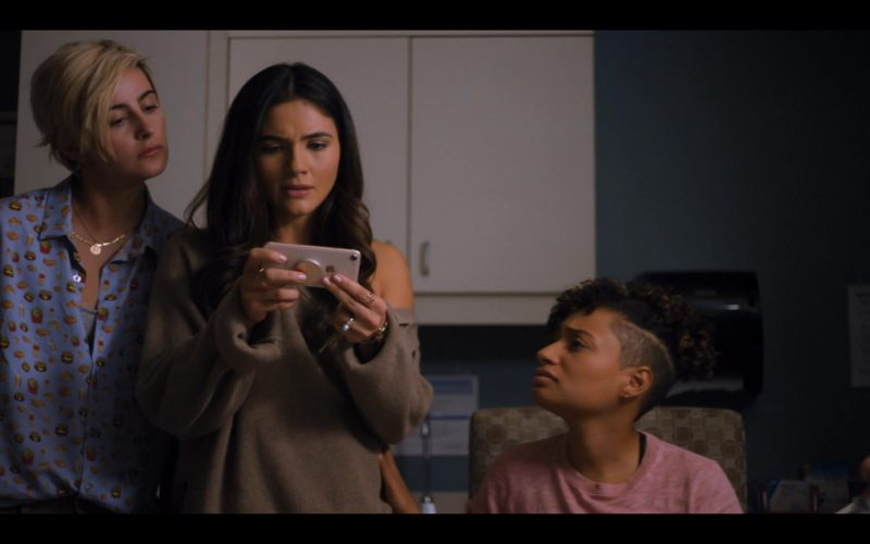 Apple iPhone Smartphone Held by Arienne Mandi as Dani Núñez in The L Word Generation Q Season 1 Episode 7 Lose It All (1)