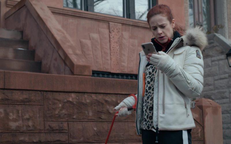 Apple iPhone Smartphone in Evil Season 1 Episode 12 Justice x 2 (2020)