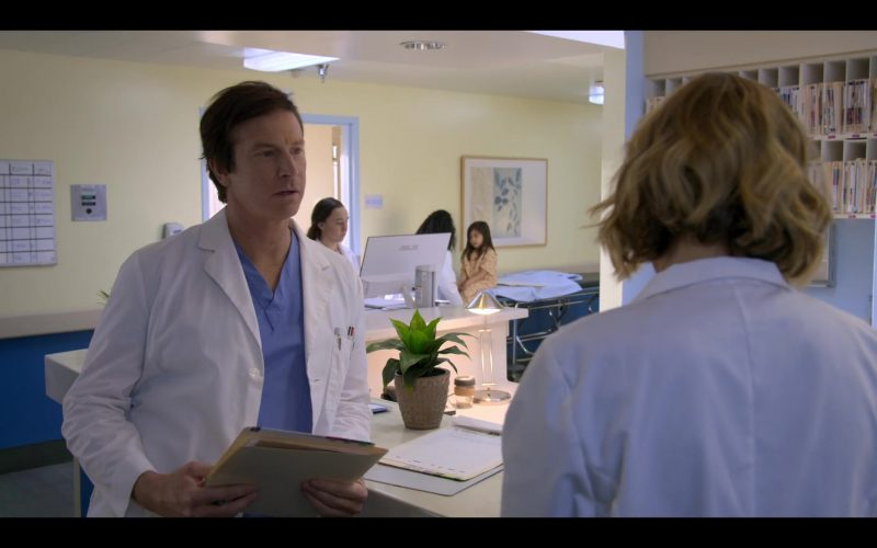 Asus All-In-One Computer (White) in Medical Police Season 1 Episode 10