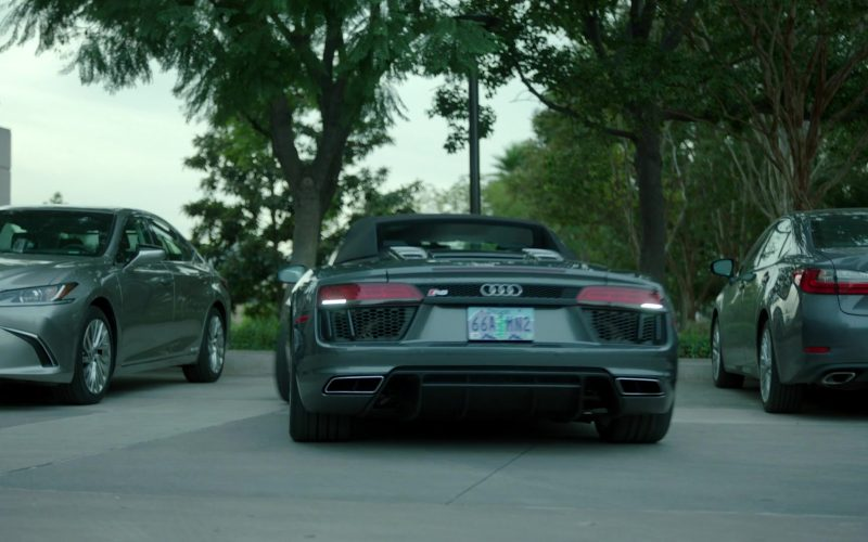 Audi R8 Spyder Sports Car in Stumptown Season 1 Episode 11 The Past and the Furious (2)