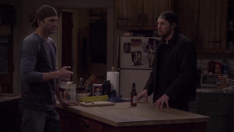 Budweiser Beer, Triscuit, Quaker Oats in The Ranch Season 4 Episode 18 (2)