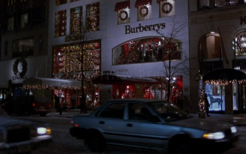 Burberry Store in Fools Rush In (1997)