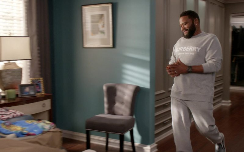 Burberry Sweatshirt and Pants Tracksuit Worn by Anthony Anderson as Dre in Black-ish Season 6 Episode 13 Kid Life Crisis (2)