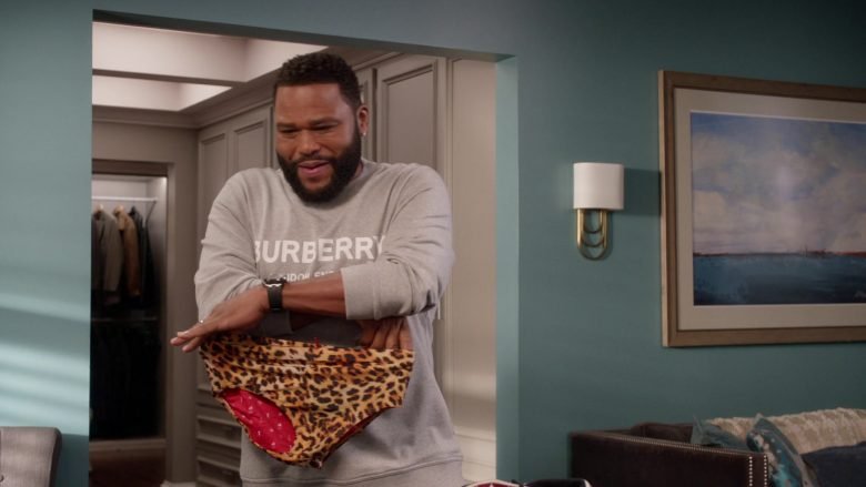 Burberry Sweatshirt and Pants Tracksuit Worn by Anthony Anderson as Dre in Black-ish Season 6 Episode 13 Kid Life Crisis (3)
