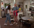 Cheerios Cereal in Alexa & Katie Season 3 Episode 1 1st Day of Junior Year (2)