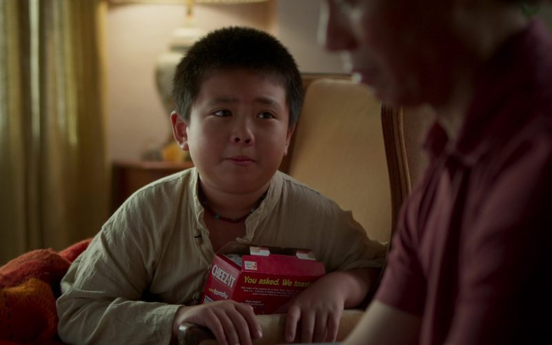 Cheez-It Crackers in Awkwafina Is Nora from Queens Season 1 Episode 6 Vagarina (2020)