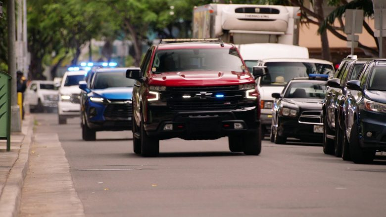 Chevrolet Silverado Silverado 1500 LT Z71 Red Pickup Truck in Hawaii Five-0 Season 10 Episode 12 (2)