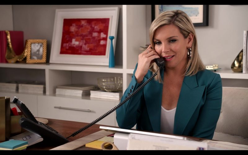 Cisco Telephone Used by June Diane Raphael as Brianna in Grace and Frankie Season 6 Episode 6 The Bad Hearer (2020)