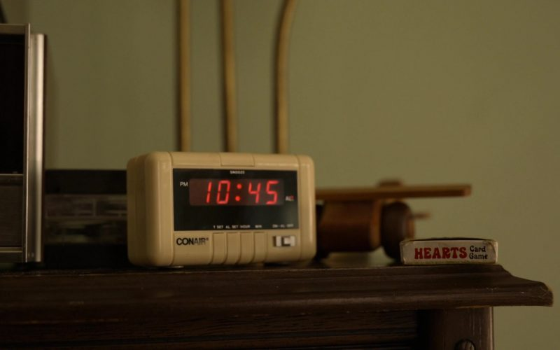 Conair Clock in Little America Season 1 Episode 5 The Baker (2020)