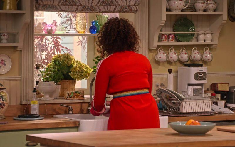 Cuisinart Coffee Maker in Family Reunion Season 1 Episode 18