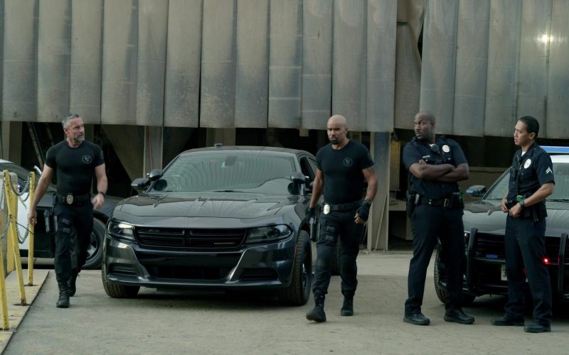 Dodge Charger Car in S.W.A.T. Season 3 Episode 12 Good Cop (1)