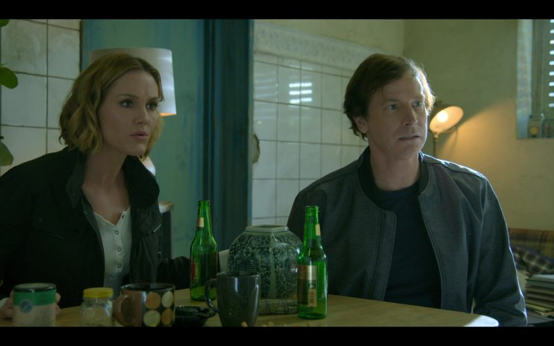 Dos Equis XX Beer Enjoyed by Rob Huebel and Erinn Hayes in Medical Police Season 1 Episode 6 The Lasagna as a Whole (3)