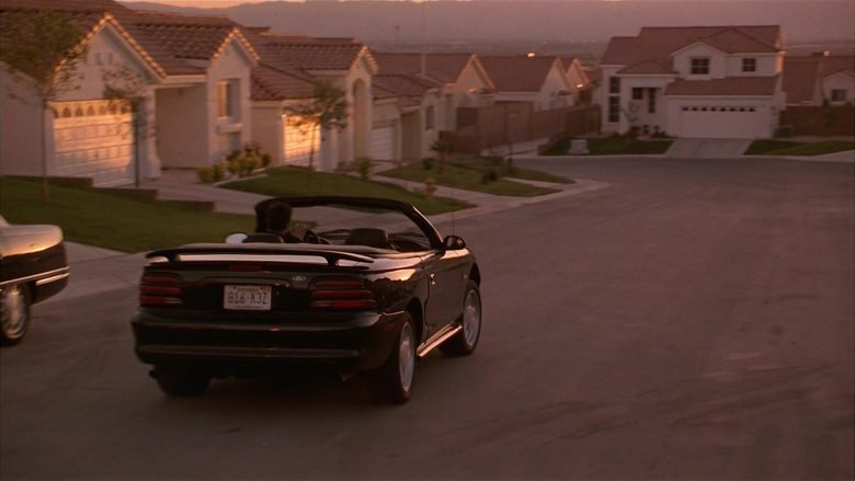 Ford Mustang Convertible Car Used by Matthew Perry as Alex Whitman in Fools Rush In (2)