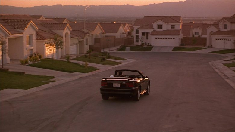 Ford Mustang Convertible Car Used by Matthew Perry as Alex Whitman in Fools Rush In (3)