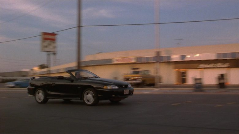 Ford Mustang Convertible Car Used by Matthew Perry as Alex Whitman in Fools Rush In (4)