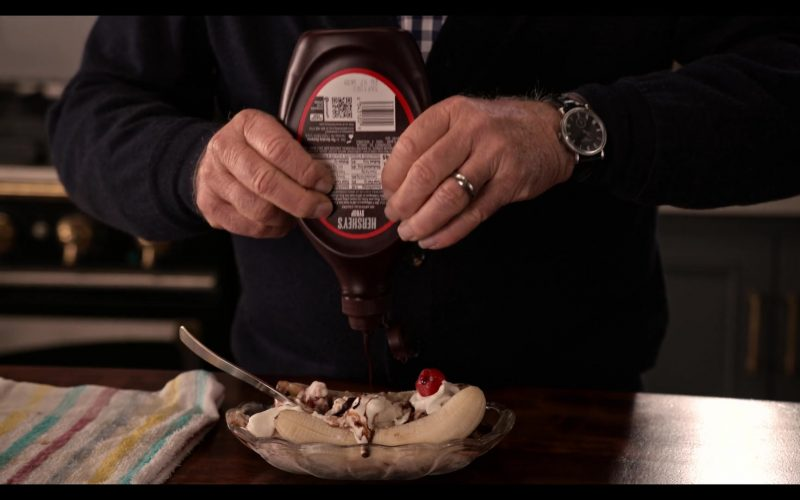 Hershey's Chocolate Syrup Enjoyed by Martin Sheen as Robert in Grace and Frankie Season 6 Episode 3 The Trophy Wife (2020)
