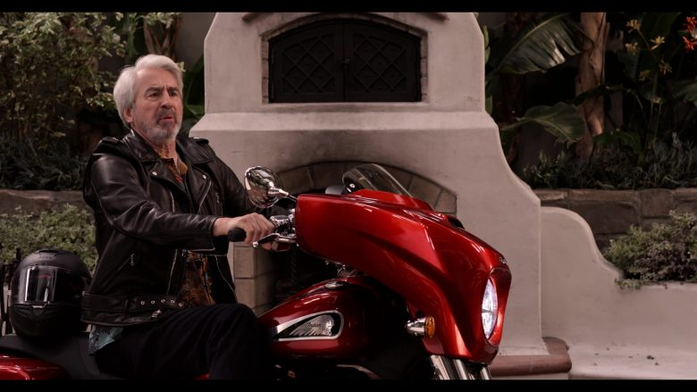 Indian Motorcycle in Grace and Frankie Season 6 Episode 13 The Change (3)
