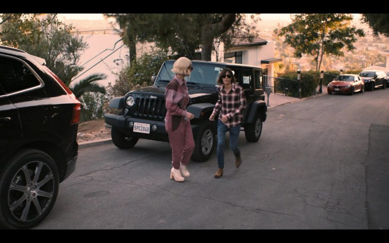 Jeep Wrangler Car in The L Word Generation Q Season 1 Episode 6 Loose Ends