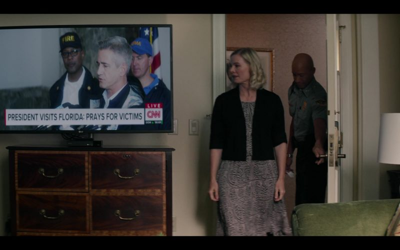 LG TV and CNN Channel in Messiah Season 1 Episode 8 Force Majeure (2020)