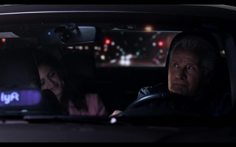Lyft Car Driven by Martin Sheen as Robert in Grace and Frankie Season 6 Episode 11 The Laughing Stock (1)