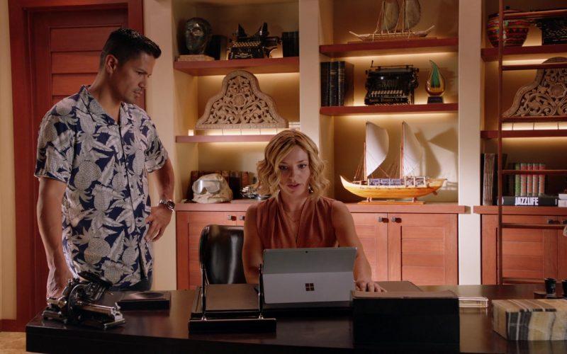 Microsoft Surface Tablet Used by Perdita Weeks as Juliet Higgins in Magnum P.I. Season 2 Episode 12 Desperate Measures (5)