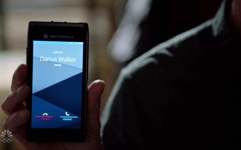 Motorola Mobile Phone in Chicago P.D. Season 7 Episode 12 The Devil You Know (2020)