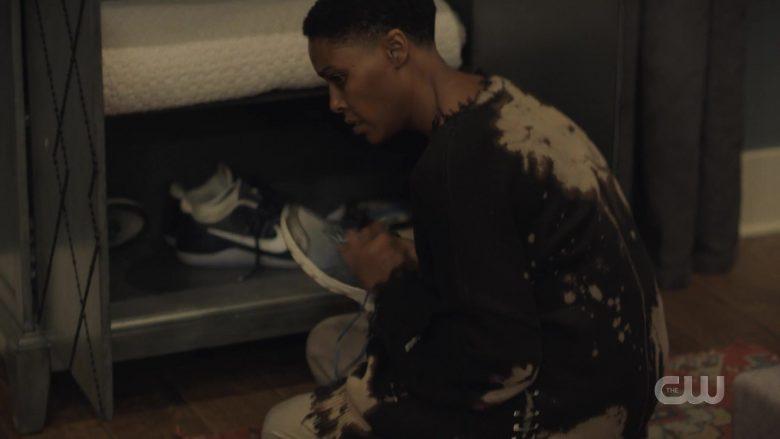 Nike Shoes in Black Lightning Season 3 Episode 10
