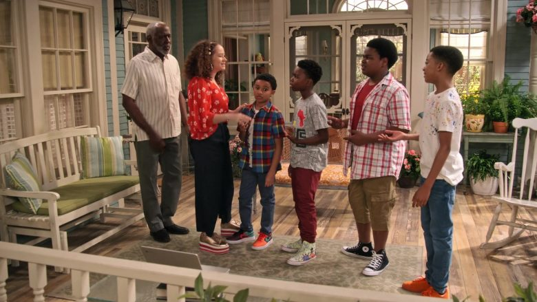 """Nike and Converse Shoes in Family Reunion Season 1 Episode 13 """"Remember When Daddy Came Home?"""" (2020) TV Show"""