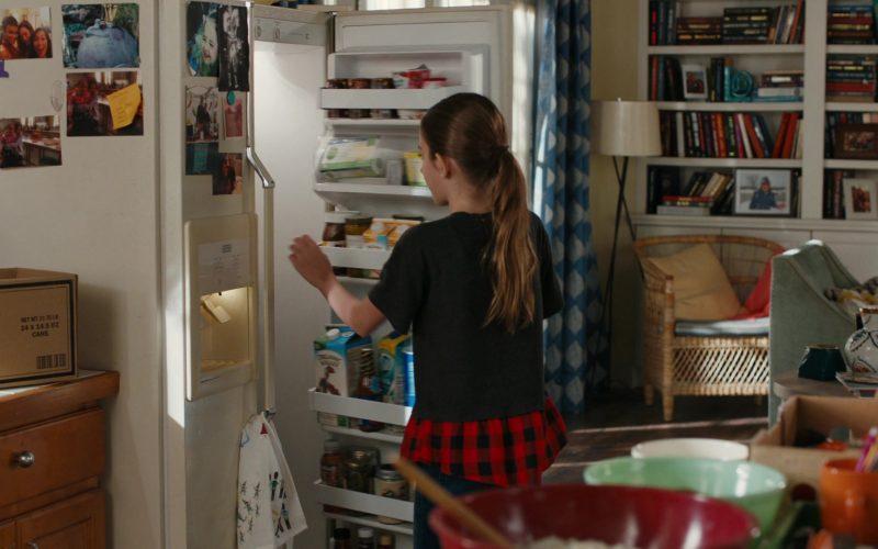 Organic Valley Milk in American Housewife Season 4 Episode 11 Wildflower Girls (2020)