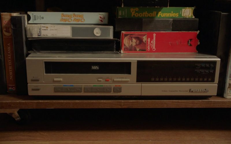 Panasonic VHS Recorder in Young Sheldon Season 3 Episode 11 A Live Chicken, a Fried Chicken and Holy Matrimony