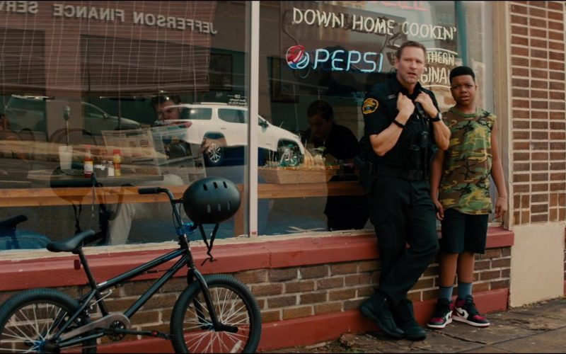 Pepsi Neon Sign in Line of Duty (2)