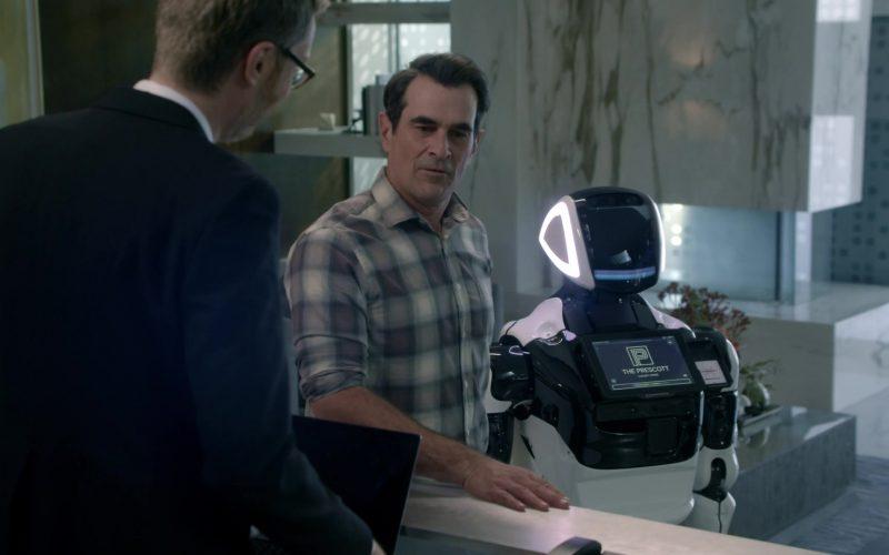 Promobot V.4 Robot in Modern Family Season 11 Episode 10 The Prescott (1)