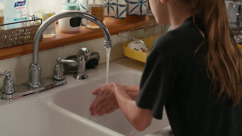 Purell Advanced Hand Sanitizer Refreshing Gel in American Housewife Season 4 Episode 11 Wildflower Girls (2)