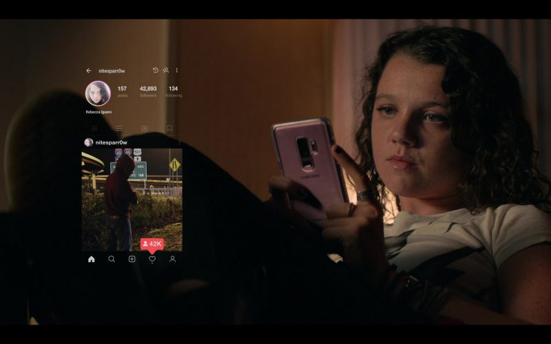 Samsung Galaxy Smartphone Used by Stefania LaVie Owen as Rebecca Iguero in Messiah Season 1 Episode 6 We Will Not All Sleep