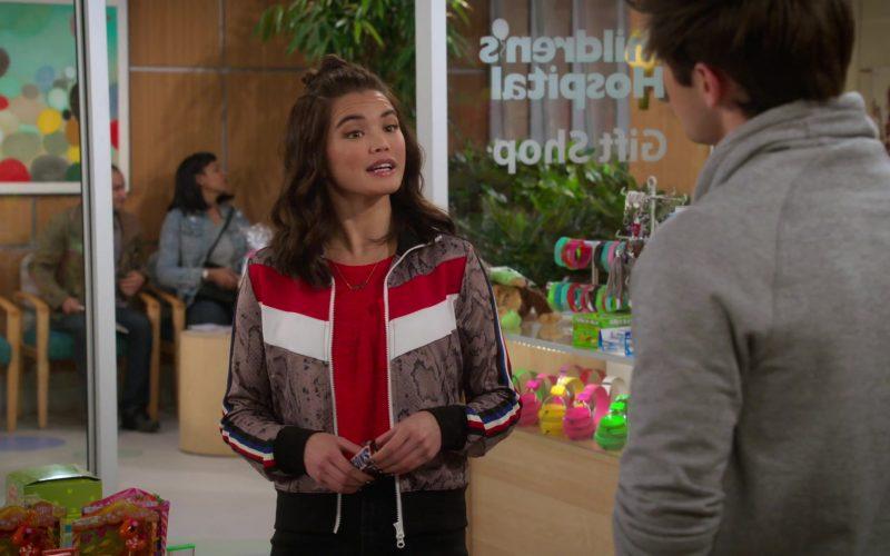 Snickers Chocolate Bar Held by Paris Berelc in Alexa & Katie Season 3 Episode 2 Stupid Binder