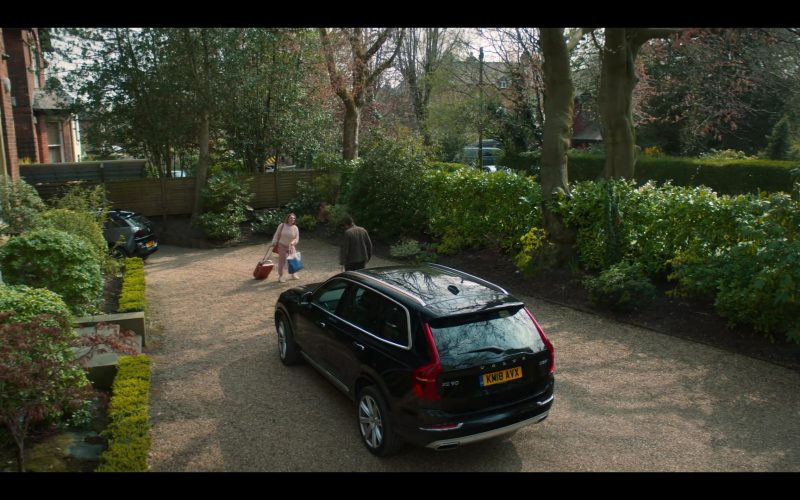 Volvo XC90 Black Car in The Stranger Episode 1 (4)