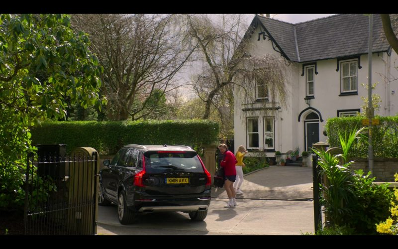 Volvo XC90 SUV in The Stranger Episode 2 (1)
