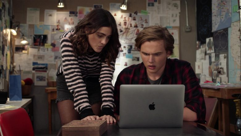 "Apple MacBook Laptop Computer Used by Luna Blaise as Olive Stone and Garrett Wareing as TJ Morrison in Manifest Season 2 Episode 6 ""Return Trip"" (2020) TV Show"