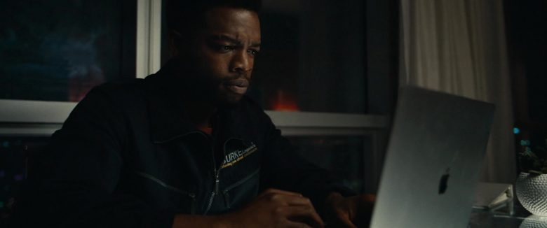 Apple MacBook Laptop in 21 Bridges (2019)