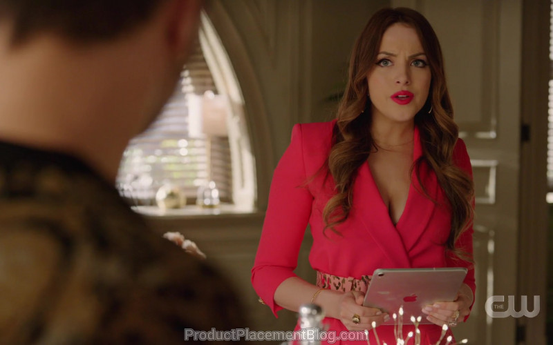 Apple iPad Tablet Held by Elizabeth Gillies as Fallon Carrington in Dynasty S03E14 That Wicked Stepmother