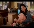 Apple iPhone Held by Zoë Kravitz as Rob in High Fidelity Season 1 Episode 4 Good Luck and Goodbye (2)