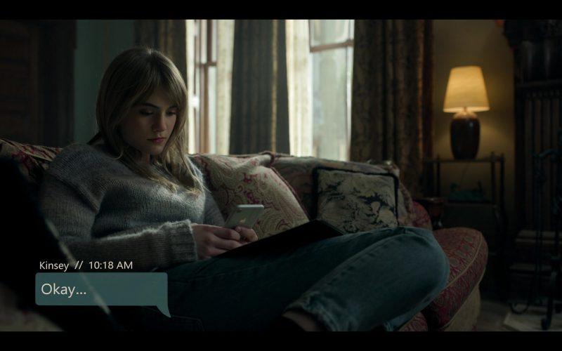 Apple iPhone Mobile Phone Held by Emilia Jones as Kinsey in Locke & Key Season 1 Episode 3 Head Games (1)
