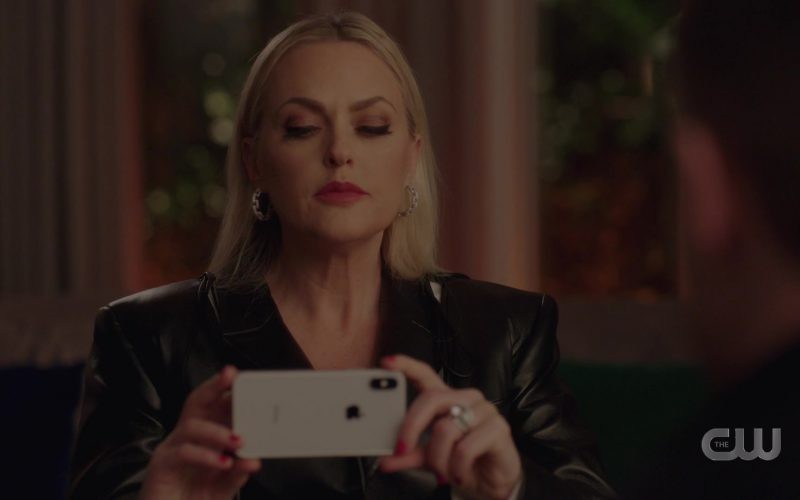 Apple iPhone Mobile Phone in Dynasty Season 3 Episode 11 A Wound That May Never Heal (2020)