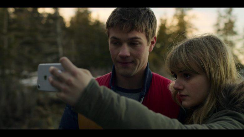 "Apple iPhone Smartphone Held by Emilia Jones as Kinsey in Locke & Key Season 1 Episode 1 ""Welcome to Matheson"" (2020) TV Show"