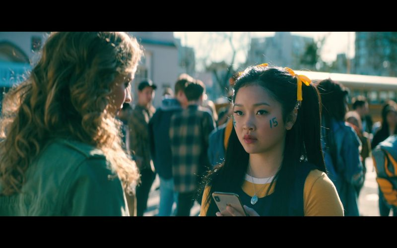 Apple iPhone Smartphone Used by Lana Condor as Lara Jean Song Covey in To All the Boys P.S. I Still Love You (5)