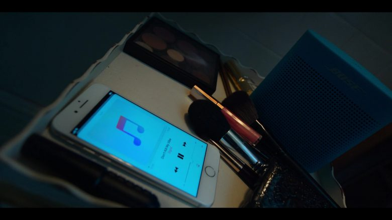 """Bose Blue Speaker and Apple iPhone in Locke & Key Season 1 Episode 4 """"The Keepers of the Keys"""" (2020) TV Show"""