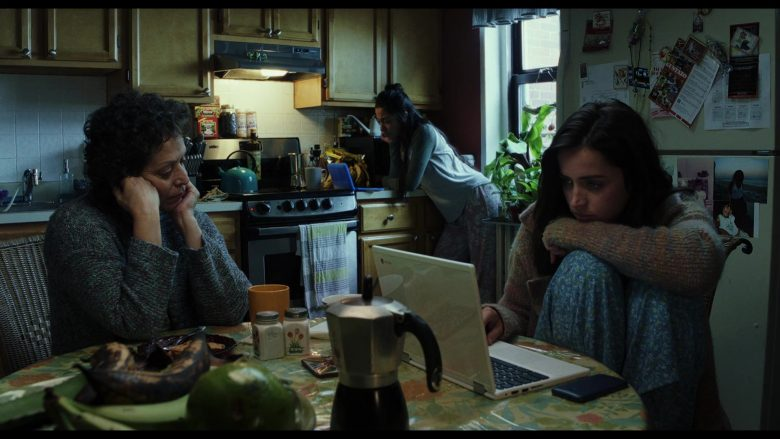 Chromebook Laptop Used by Ana de Armas as Marta Cabrera in Knives Out (2019)