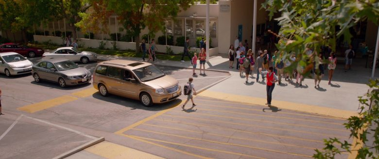 Chrysler Town & Country Car in Alexander and the Terrible, Horrible, No Good, Very Bad Day (3)