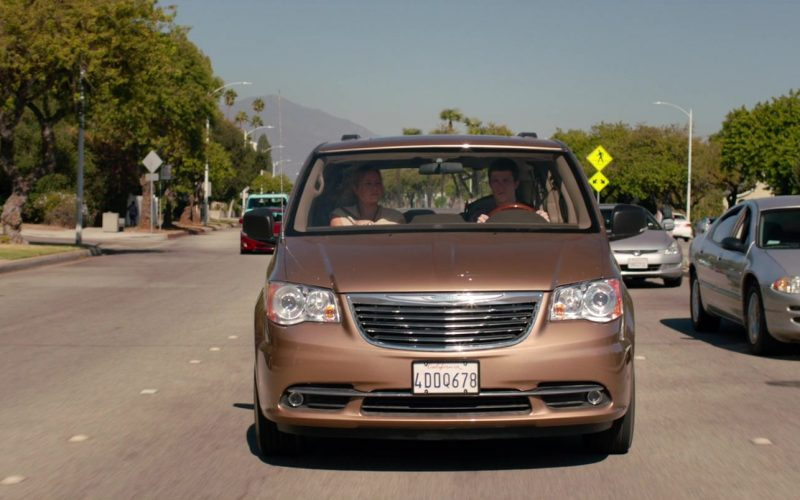 Chrysler Town & Country Car in Alexander and the Terrible, Horrible, No Good, Very Bad Day (7)